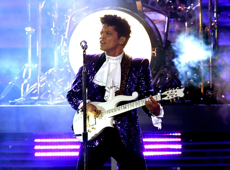 Bruno Mars, Prince Tribute, 2017 Grammy Awards