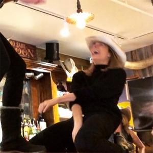 LeAnn Rimes, <i>Coyote Ugly</i>, Bar Scene, Recreation