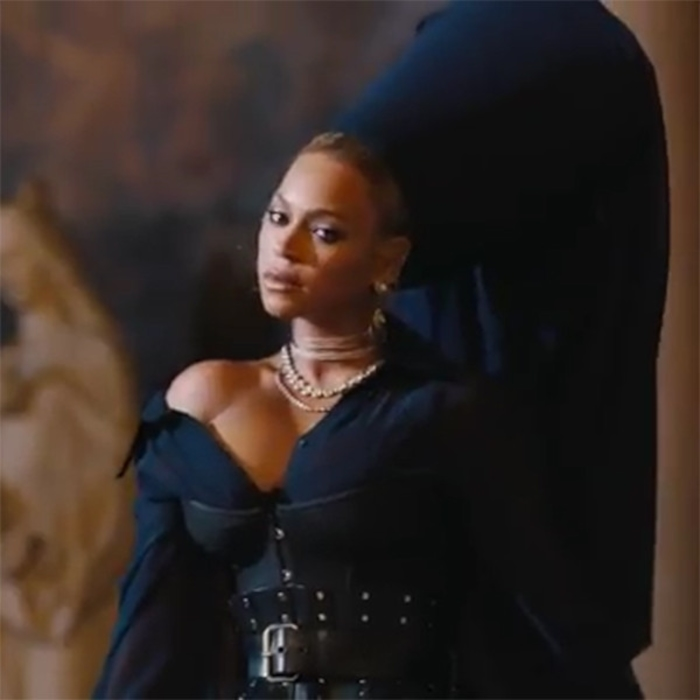 Jay zs family feud video features beyonc blue ivy mindy kaling jay zs family feud video features beyonc blue ivy mindy kaling and more celebs e news malvernweather Image collections