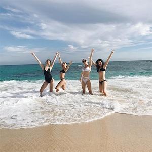 Selena Gomez, Friends, Raquelle Stevens, Cabo San Lucas, Mexico, New Year's Holiday, Beach, 2017