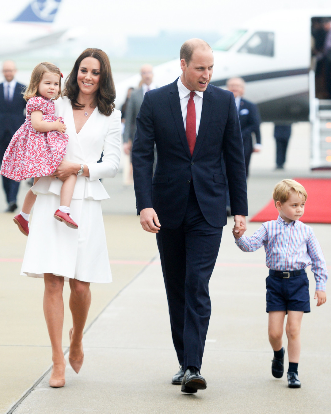 ESC: Prince WIlliam, Kate Middleton, Prince George, Princess Charlotte, Royals Gift Guide