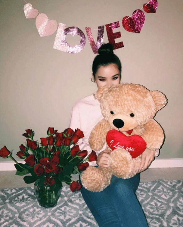 Hailee Steinfeld, Valentine's Day 2017