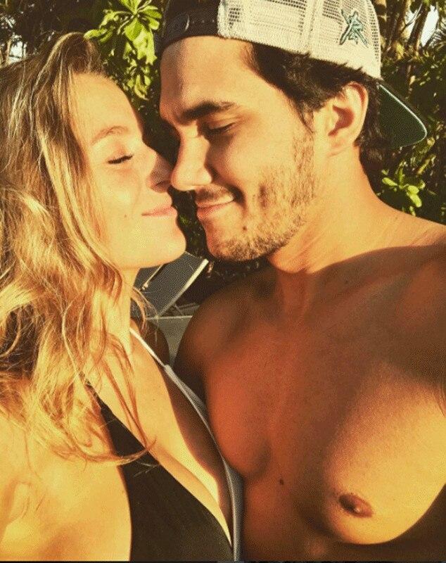 Alexa PenaVega, Carlos PenaVega, Instagram