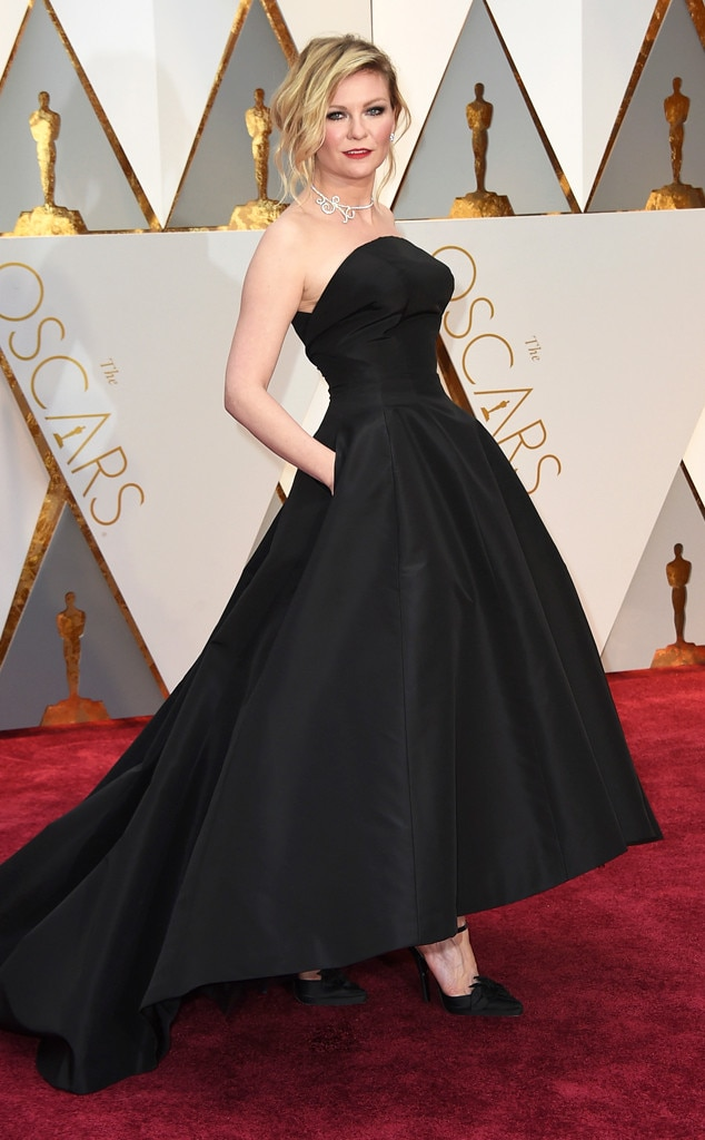 Oscars 2017 Red Carpet Arrivals Kirsten Dunst, 2017 Oscars, Academy Awards, Arrivals