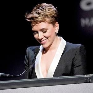 Scarlett Johansson, amfAR