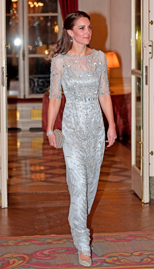 Here S What Kate Middleton Is Wearing In Paris E News