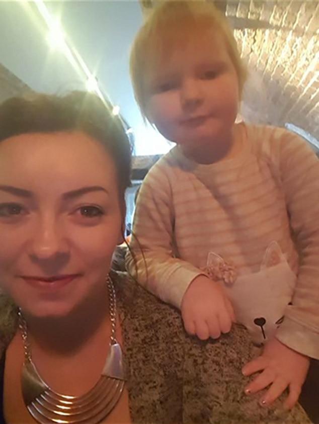 Ed Sheeran Look-Alike, Isla Walton, Zoe Walton