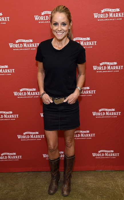 Nicole Curtis, Book Signing