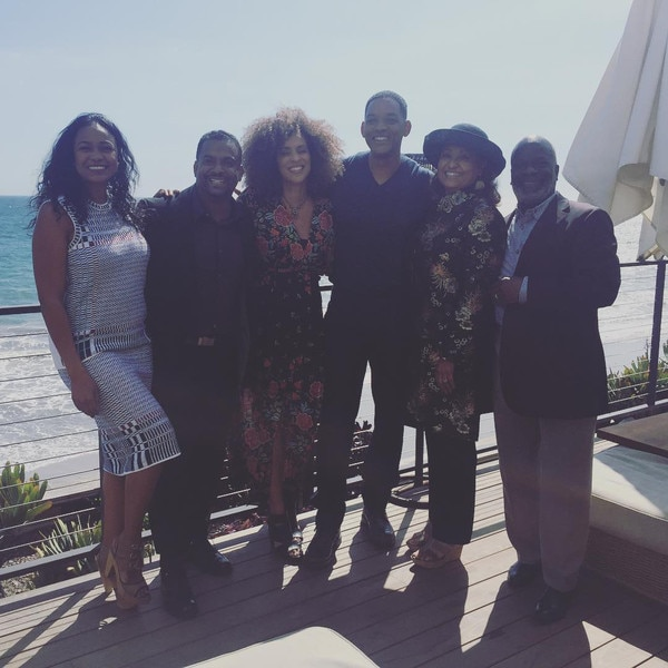 'Fresh Prince' cast reunites for awesome photo