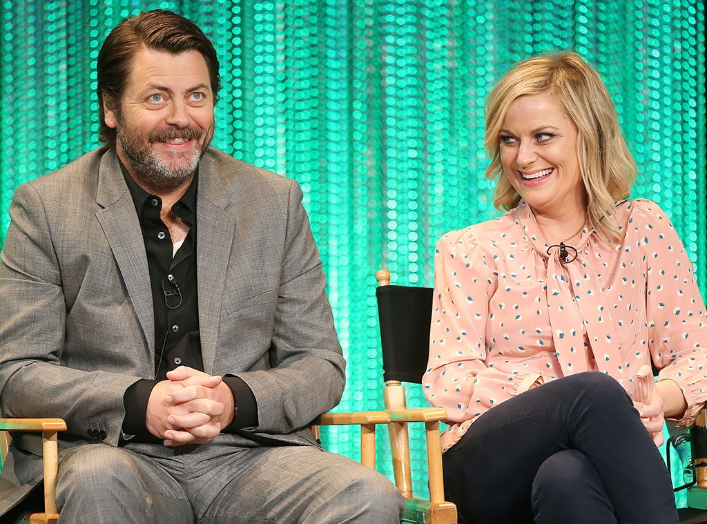 Amy Poehler, Nick Offerman reunite for NBC crafting competition show
