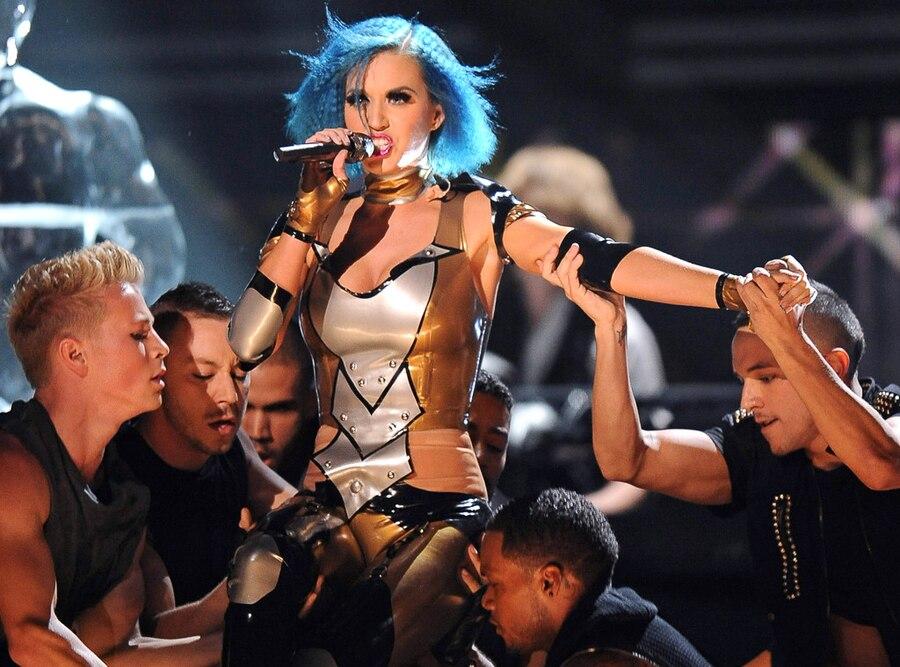 Katy Perry, 2012 Grammy Awards