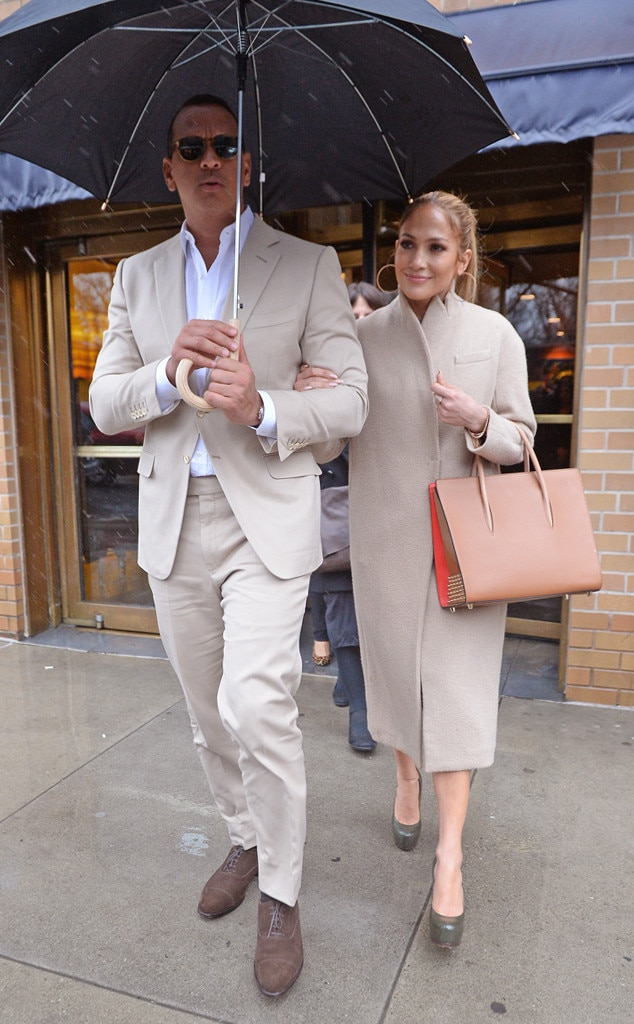 rs_634x1024-170331120027-634-alex-rodriguez-jennifer-lopez-leaving-lunch.jpg (634×1024)