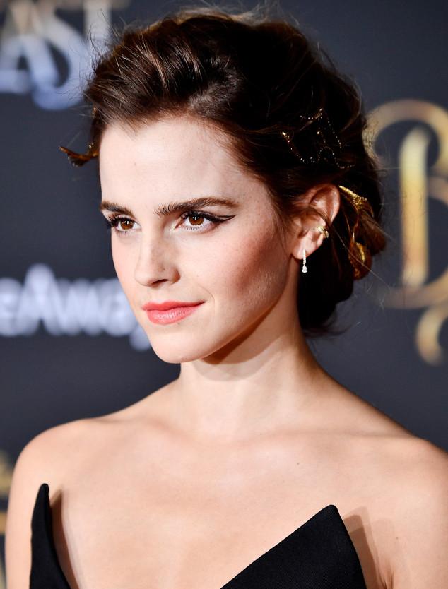 ESC: Emma Watson, Graphic Eyeliner