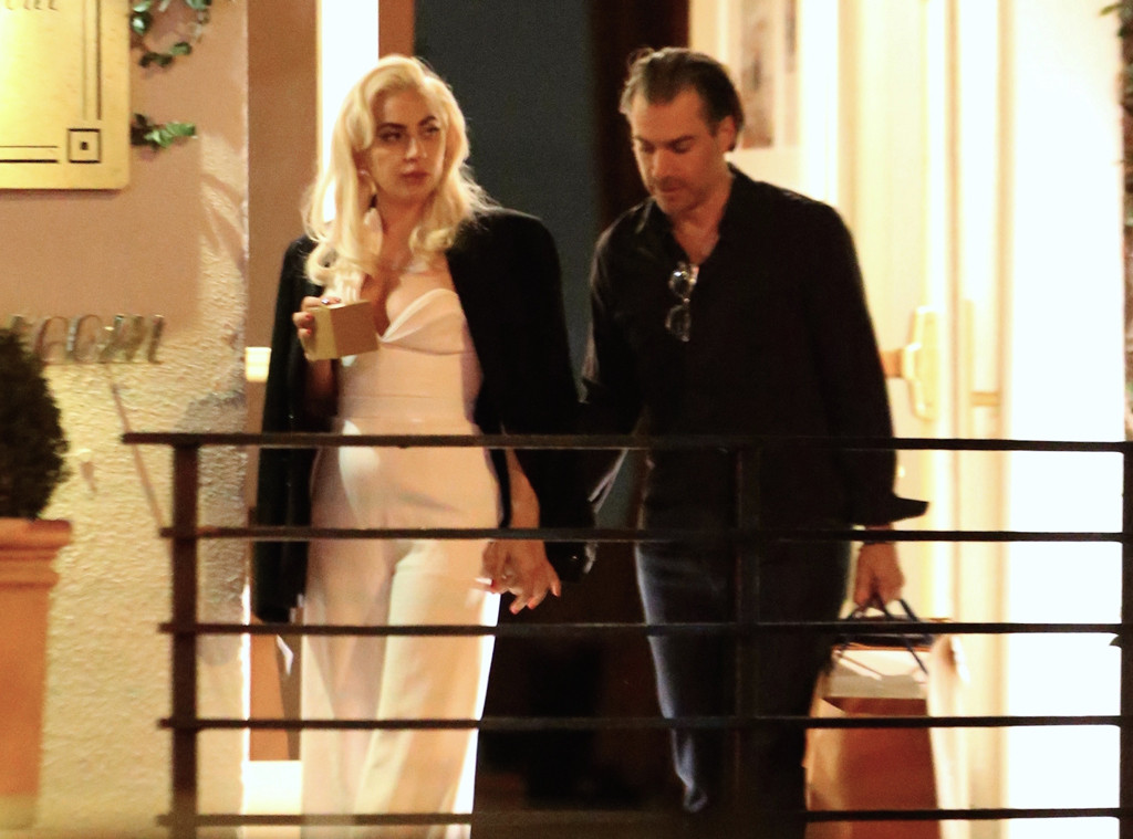 Who's dating lady gaga