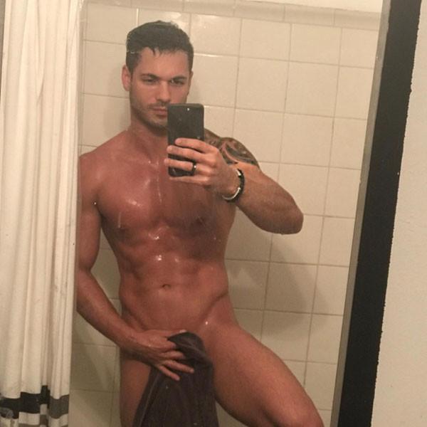 jessica alba fakes naked