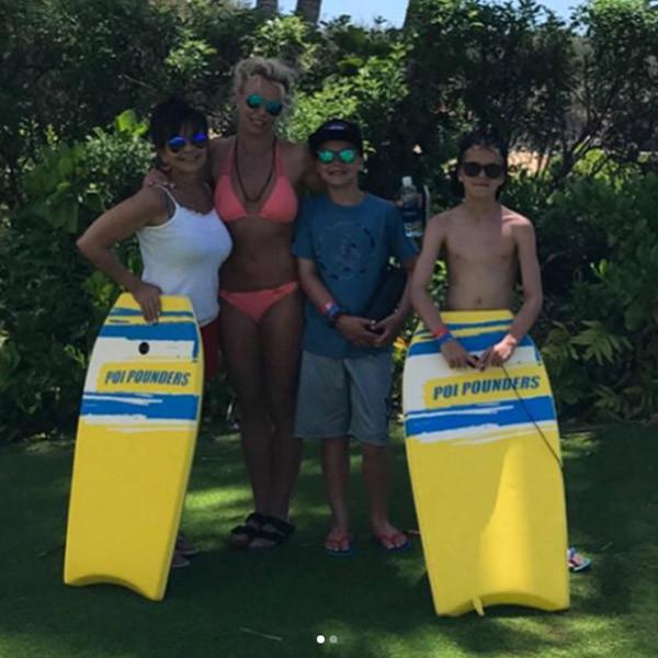 Britney Spears, Hawaii, Instagram