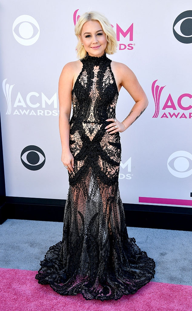 RaeLynn, 2017 ACM Awards, Arrivals
