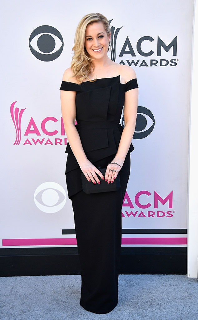 Kellie Pickler, 2017 ACM Awards, Arrivals