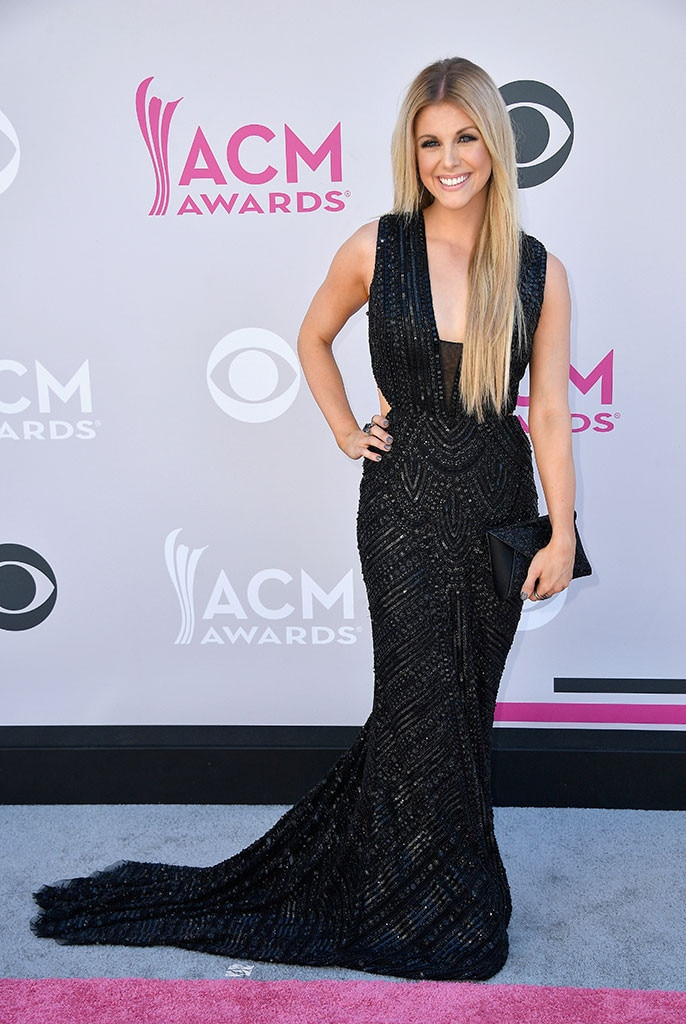 Host Lindsay Ell stunned in a form-fitting, beaded gown. Lindsay's smokey eye and pin straight hair gave her everything and more to stand in as beauty icon ...