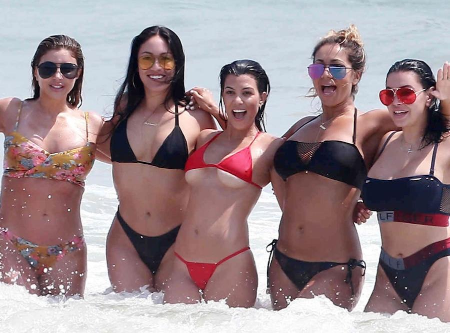 Kim Kardashian, Kourtney Kardashian, Mexico