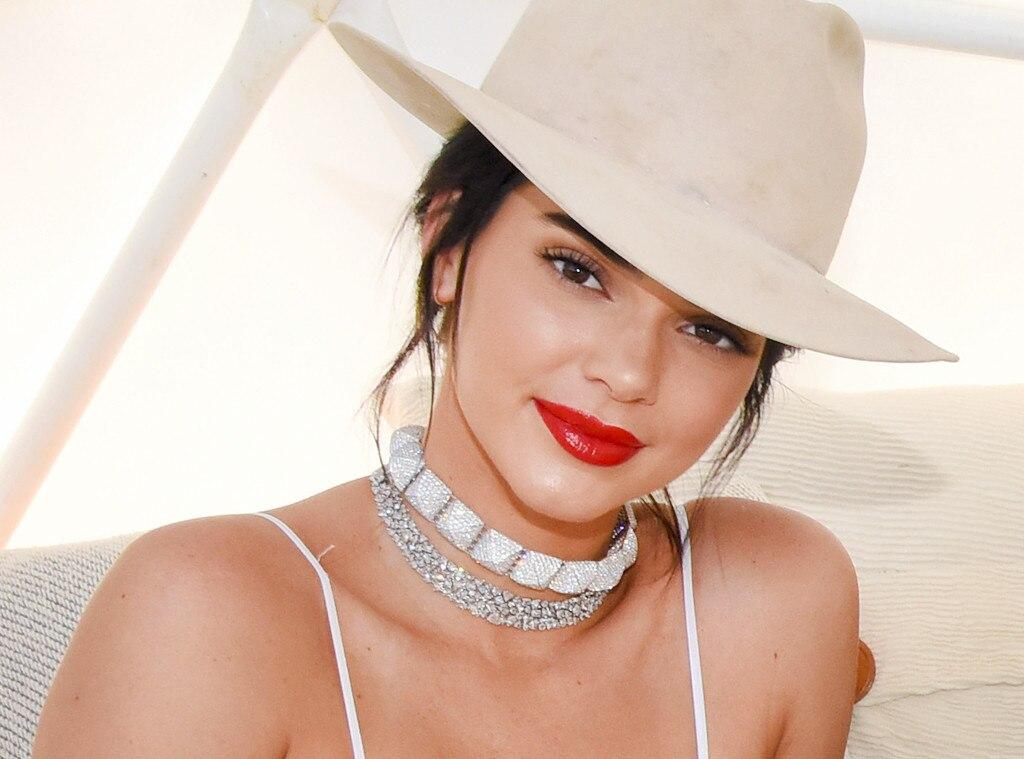 ESC: Kendall Jenner, Coachella