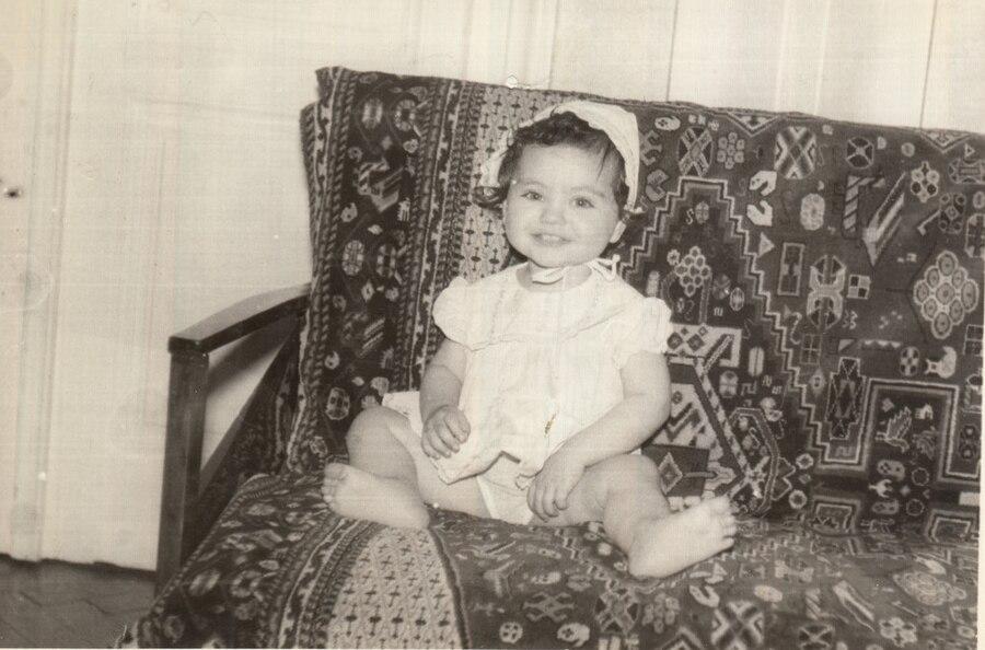 Mila Kunis, Houzz