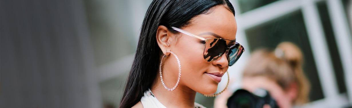 ESC: Rihanna, Essentials