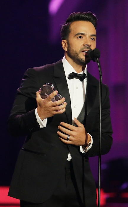 Luis Fonsi, 2017 Latin Billboard Awards
