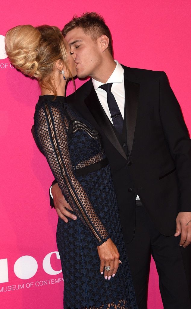 Paris Hilton, Chris Zylka