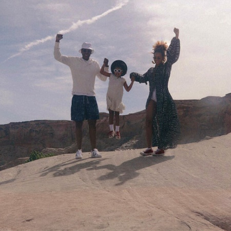 Beyonc 233 Shares Never Before Seen Photos Of Jay Z And Blue