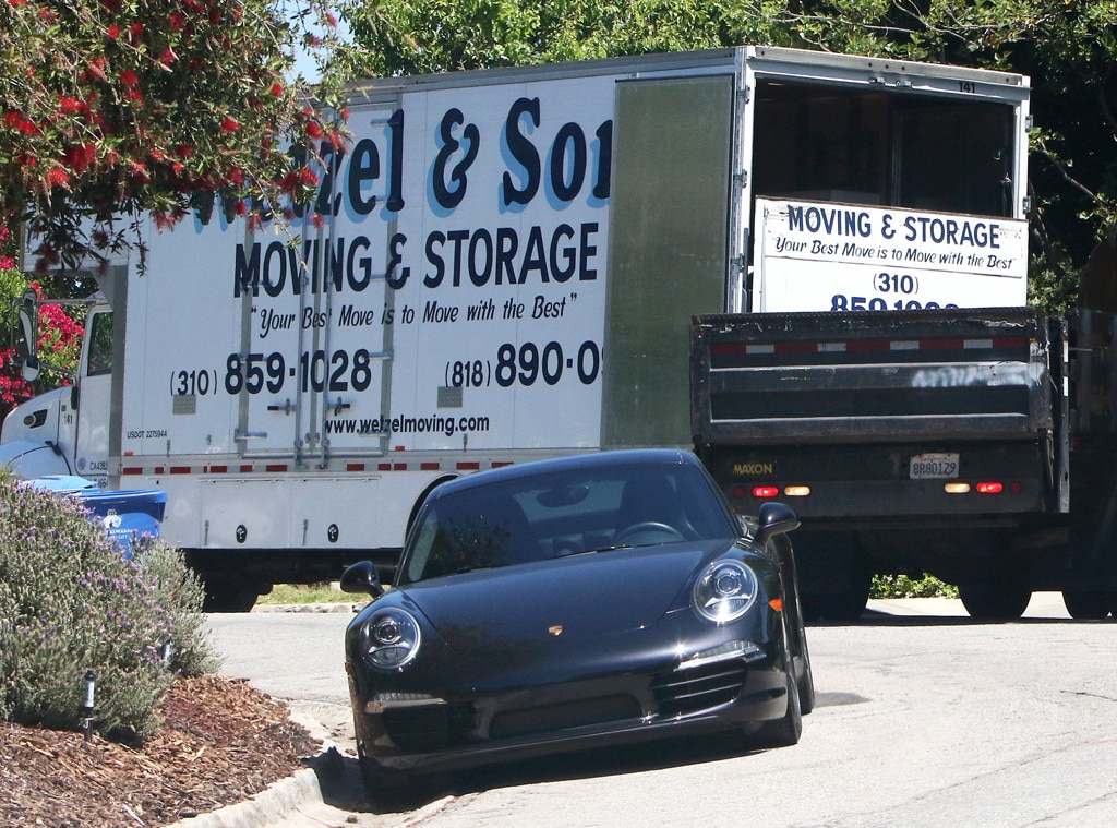 Ben Affleck, Moving