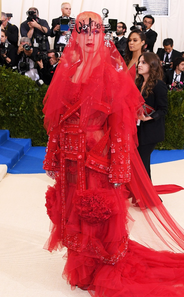 http://akns-images.eonline.com/eol_images/Entire_Site/201741/rs_634x1024-170501153759-634.Katy-Perry-Calloway-Met-Gala-2017-Arrivals.ms.050117.jpg