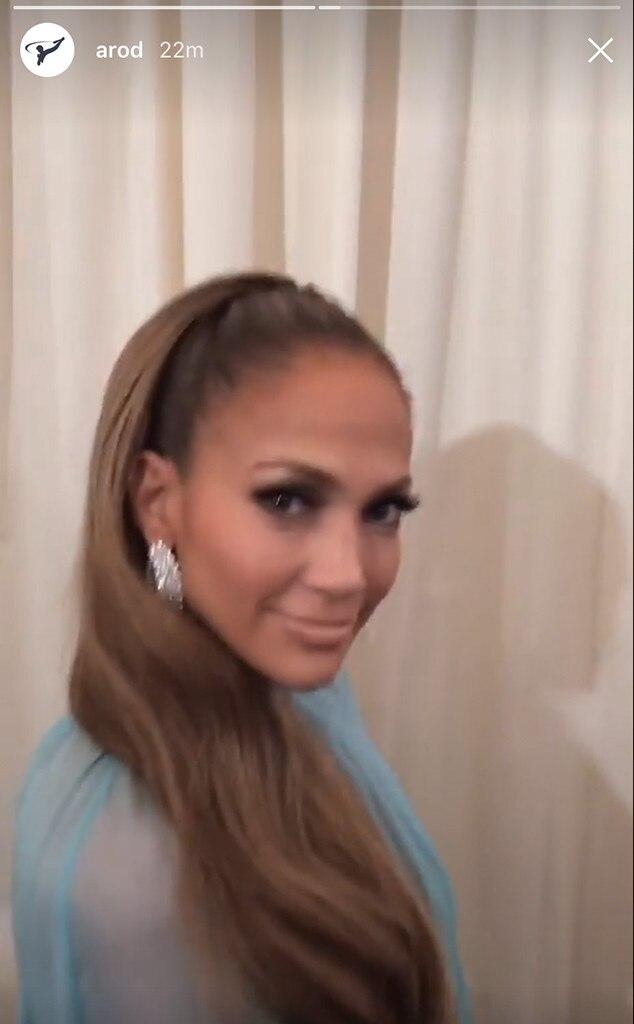 Jennifer Lopez, 2017 Met Gala, Snapchat