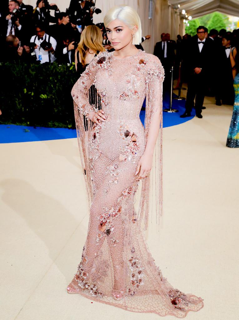 ESC: Kylie Jenner, 2017 Met Gala
