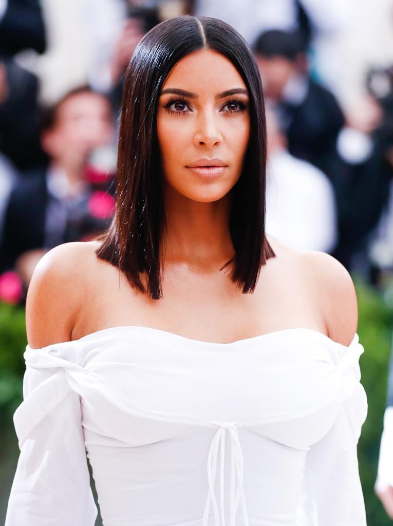 ESC: Kim Kardashian, 2017 Met Gala