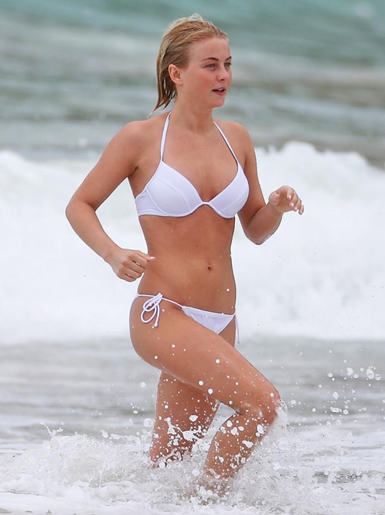 Bikini Body Video, Julianne Hough