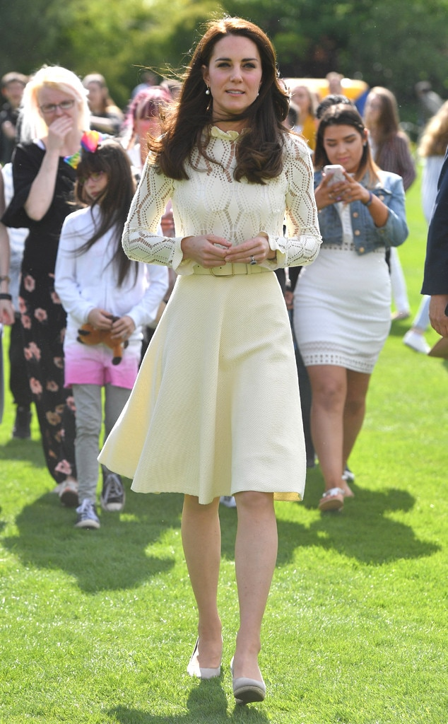 Kate Middleton Looks Gorgeous in a Favorite Lace Dress at ...