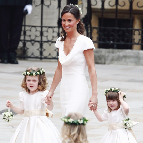 Here 39 s what kate middleton wore to sister pippa middleton for Kate middleton wedding pippa dress
