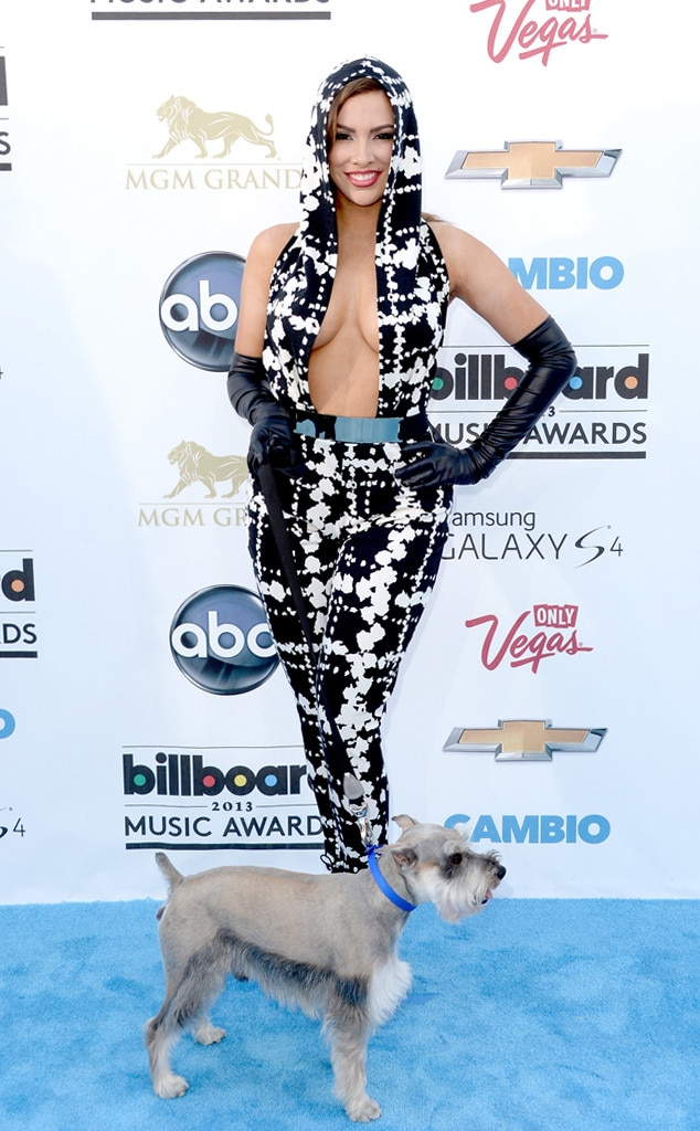 ESC: Billboard's Craziest Outfits, Nayer