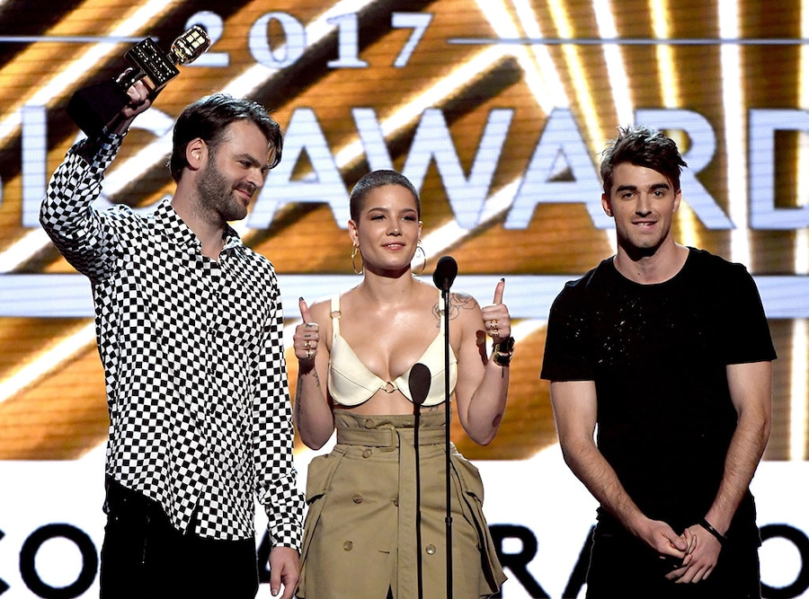 Chainsmokers, Halsey, 2017 Billboard Music Awards, Winner
