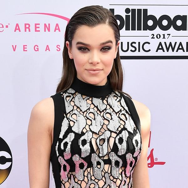 Hailee Steinfeld, 2017 Billboard Music Awards, Arrivals