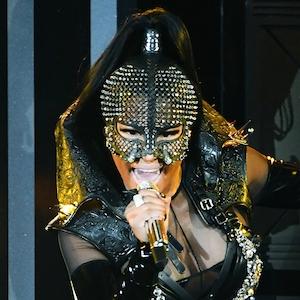 Nicki Minaj, 2017 Billboard Music Awards
