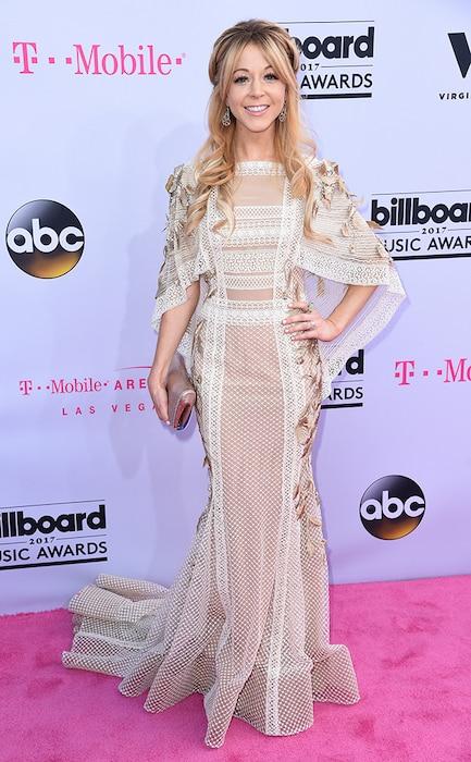 Lindsey Stirling, 2017 Billboard Music Awards, Arrivals