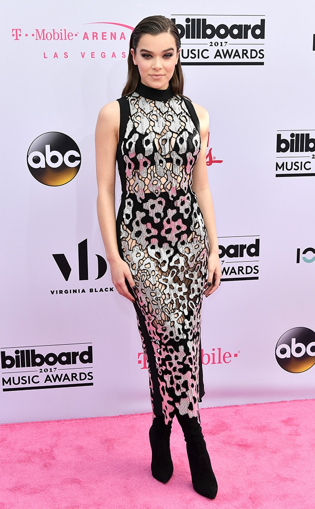 Hailee Steinfeld, 2017 Billboard Music Awards, Arrivals
