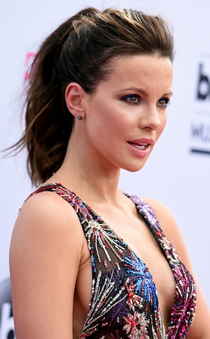 ESC: Kate Beckinsale, 2017 Billboard Music Awards