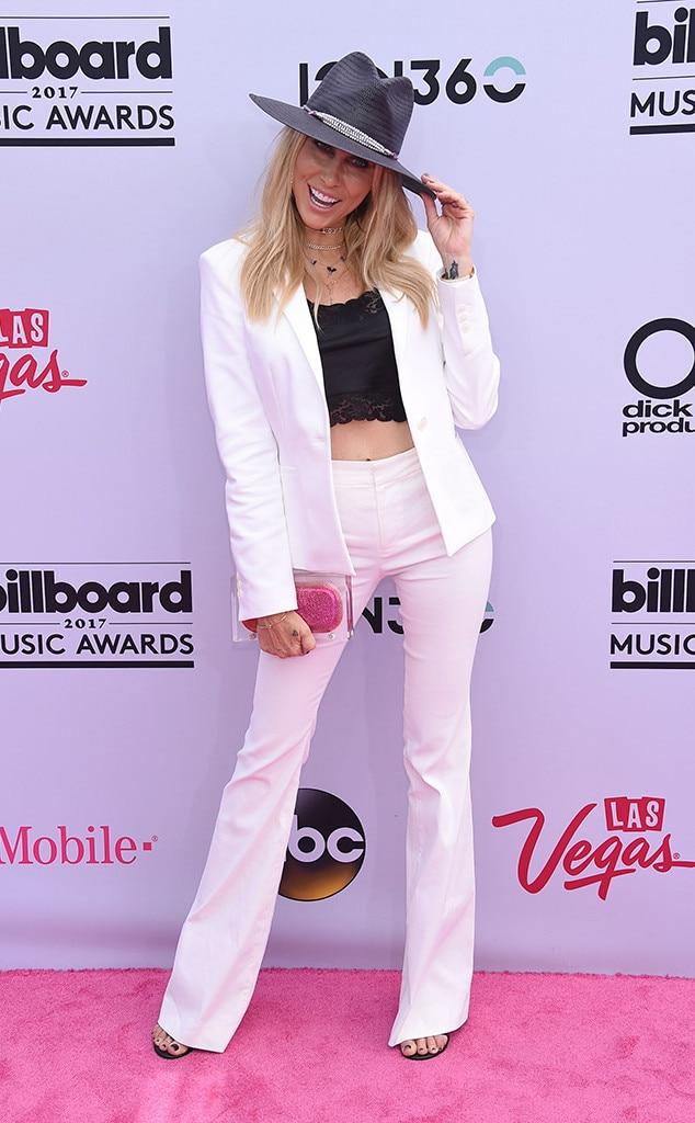 Tish Cyrus, 2017 Billboard Music Awards, Arrivals