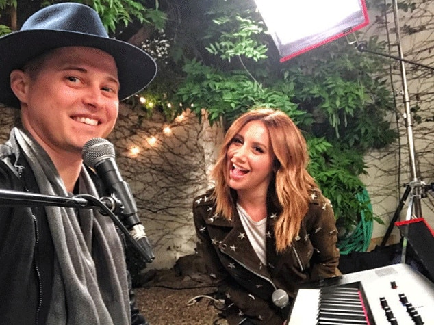 Ashley Tisdale Reunites With 'High School Musical' Co-Star Lucas Grabeel For Duet