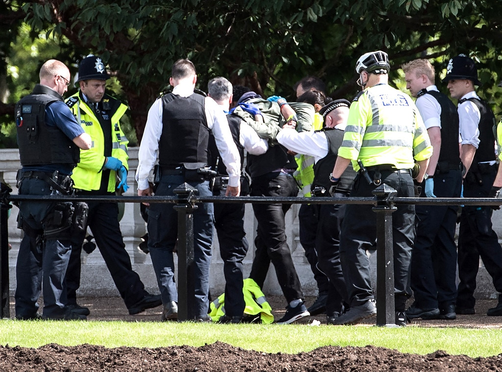 Buckingham Palace, Man with Knife, Arrest
