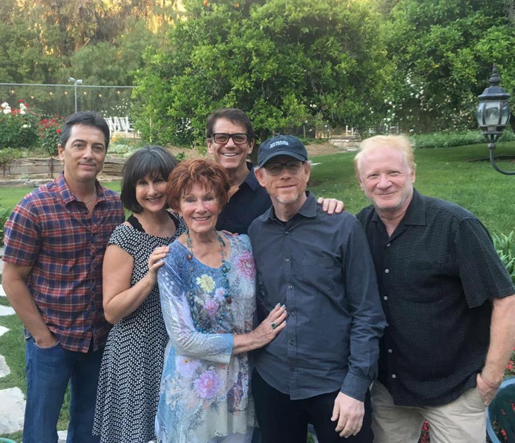 Cast of 'Happy Days' reunites to remember Erin Moran