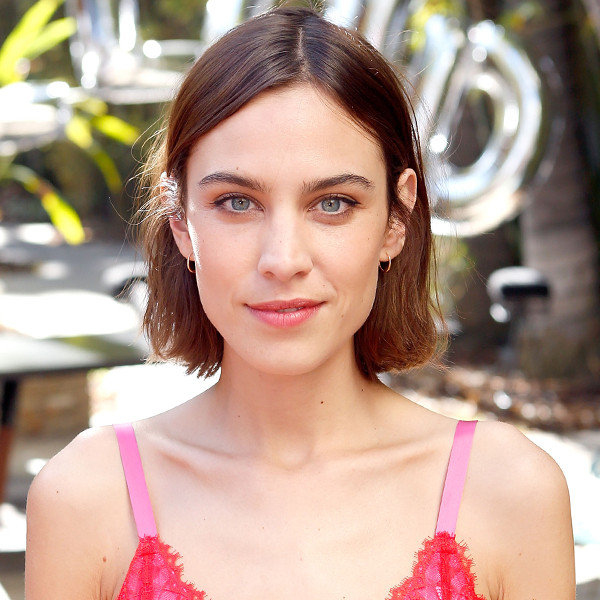 Alexa Chung S First Ever Runway Show Is Happening Now